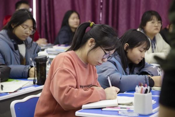 郑州画室,美术集训,美术高考培训